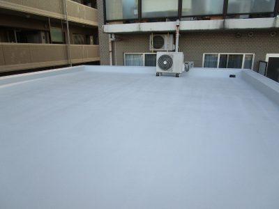 画像:屋上ウレタン防水トップコート塗布後
