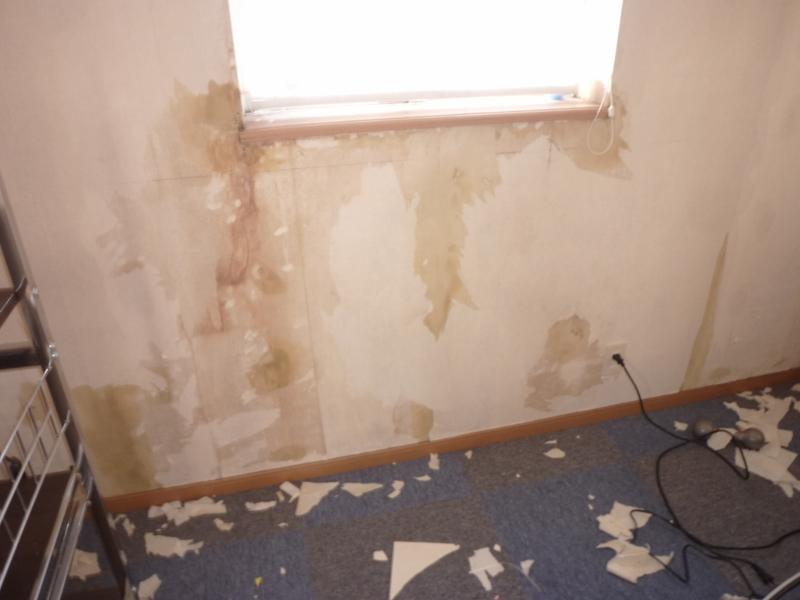 画像:外壁開口廻りからの漏水